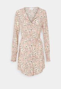 Vila - VIDOTTIES NEW TUNIC DRESS - Shirt dress - misty rose/white - 0