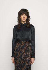 Bruuns Bazaar - BAUME ELIZABETH BLOUSE - Blouse - black - 0
