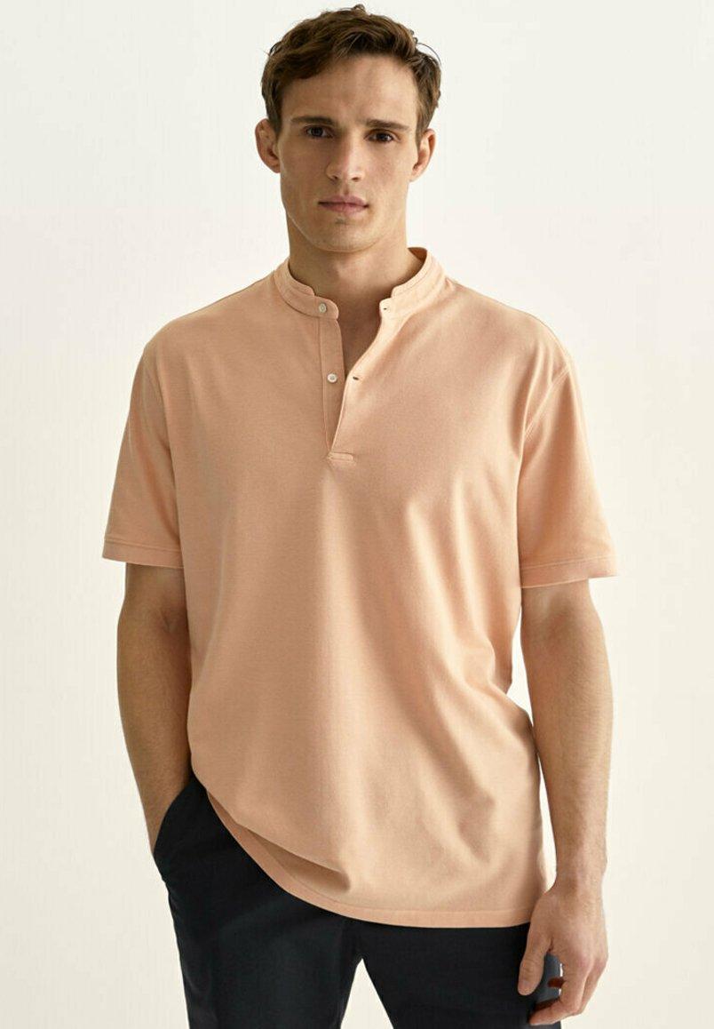 Uomo MIT MAOKRAGEN  - T-shirt basic
