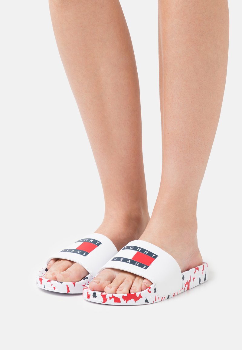 Tommy Jeans - FOOTBED POOL SLIDE - Mules - red/white/blue
