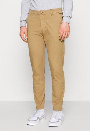 CHUCK REGULAR PANT - Pantalones chinos - tuffet