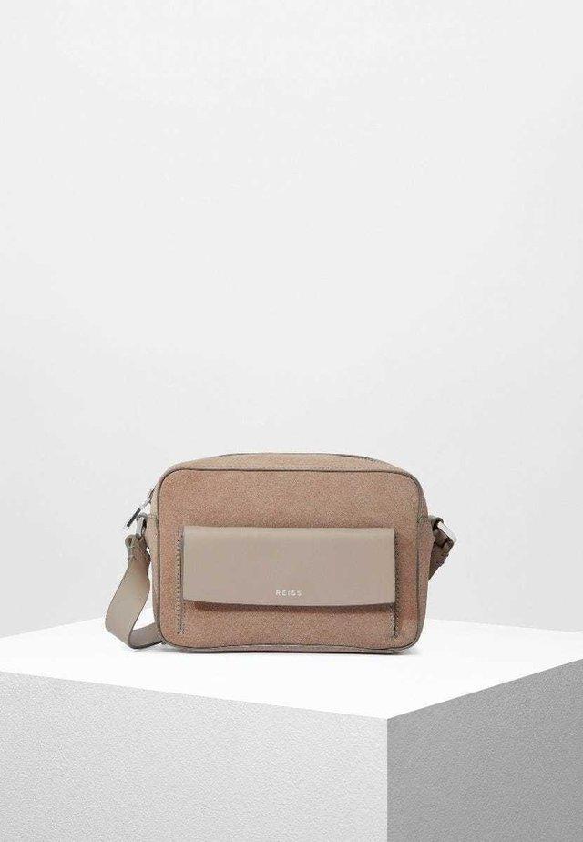 ARCHIE  - Across body bag - mushroom