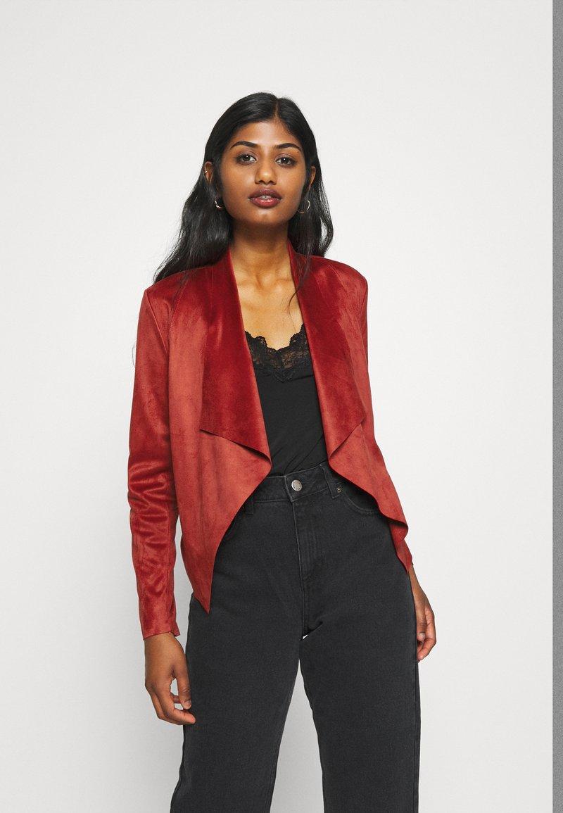 ONLY Petite - ONLFLEUR JACKET PETITE - Faux leather jacket - red ochre
