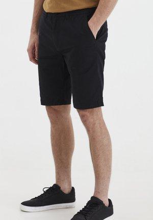 TITIAN - Shorts - black
