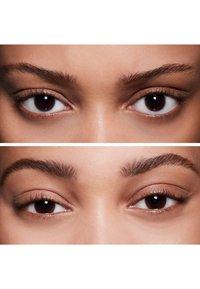 MAC - SHAPE & SHADE BROW TINT - Eyebrow pencil - spiked - 3