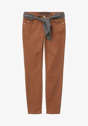 Spodnie materiałowe - chestnut brown