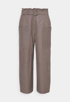 SLFMOON CROP PANTS - Leather trousers - fossil