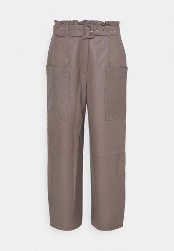 SLFMOON CROP PANTS