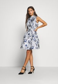 Chi Chi London Petite - CELOWEN DRESS - Sukienka koktajlowa - blue - 1