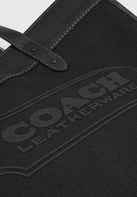 Coach - FIELD TOTE 40 UNISEX - Handbag - black - 5