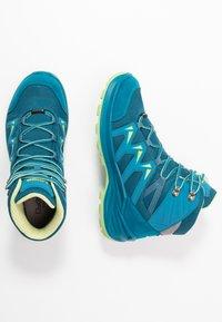 Lowa - INNOX PRO GTX MID JUNIOR UNISEX - Hiking shoes - türkis/mint - 0