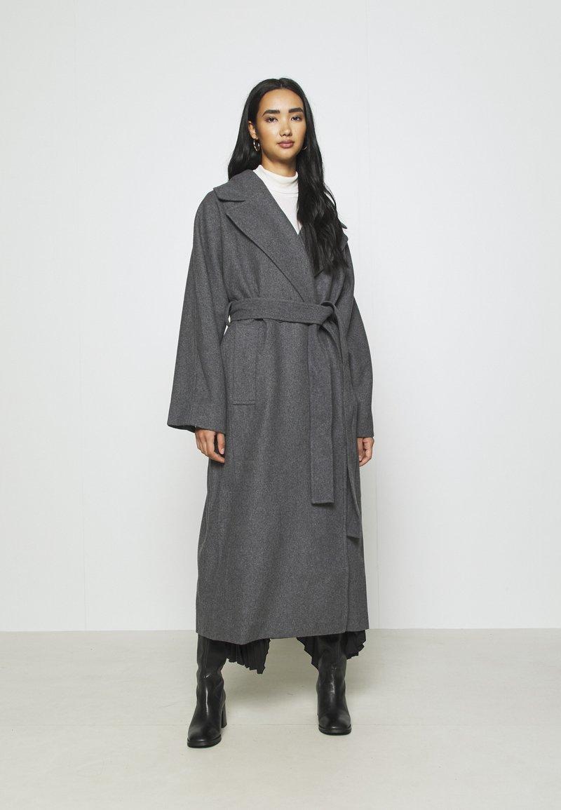 Weekday - KIA BLEND COAT - Zimní kabát - antracit melange