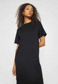 Even&Odd - Basic midi Jerseykleid - Jersey dress - black - 3