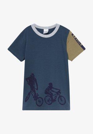 BMX BIKE  - T-shirt z nadrukiem - midnight