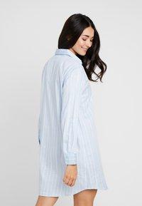 Lauren Ralph Lauren - CLASSIC HIS SHIRT SLEEPSHIRT - Noční košile - blue - 2