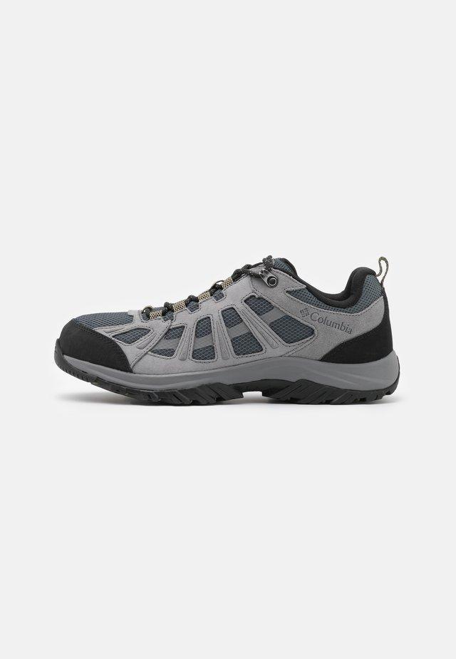 REDMOND III - Zapatillas de senderismo - graphite/black