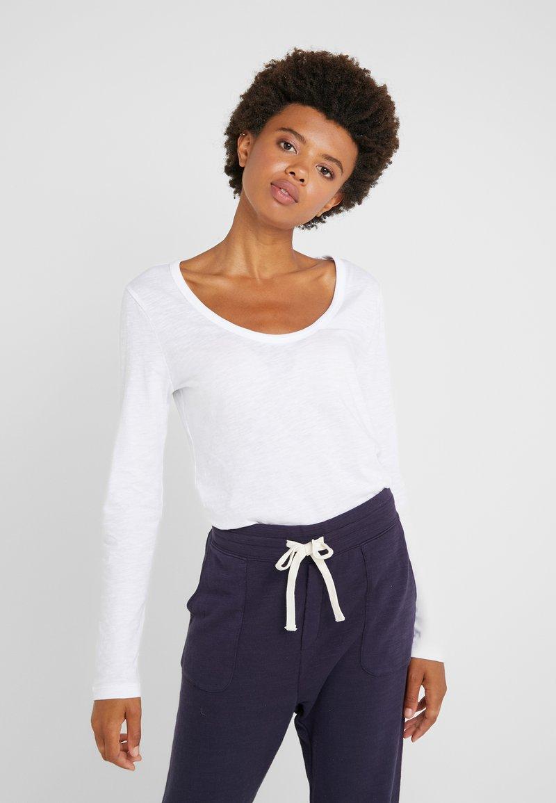 J.CREW - WHISPER SCOOP NECK - Long sleeved top - white