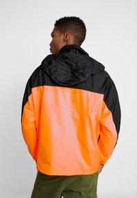 adidas Originals - REVEAL YOUR VOICE - Windbreakers - flash orange - 3