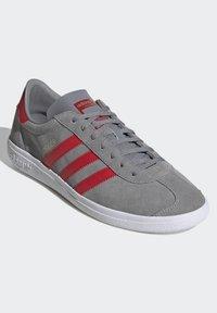 adidas Originals - JOGGER - Trainers - grey - 3