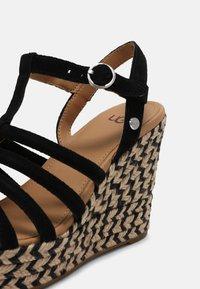 UGG - CRESSIDA - Wedge sandals - black - 7