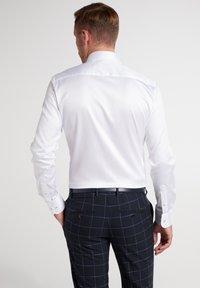 Eterna - SLIM FIT - Formal shirt - weiß - 1