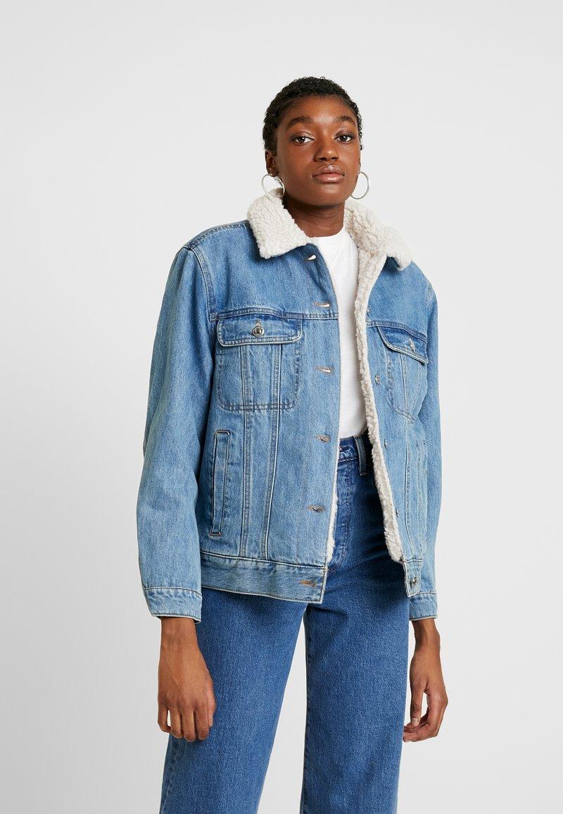 Topshop - BORG LINED JACKET - Veste en jean - mid blue