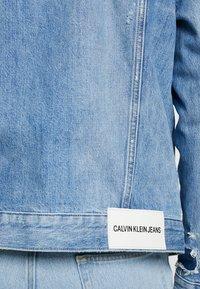 Calvin Klein Jeans - FOUNDATION SLIM JACKET - Džínová bunda - denim - 5