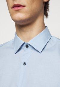 HUGO - KOEY - Formal shirt - pastel blue - 6