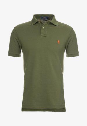 SLIM FIT MODEL - Poloshirts - supply olive