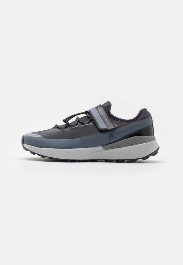 OUTDOORBOOOST  - Neutral running shoes - night steel
