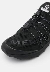 Merrell - LONG SKY SEWN - Chaussures de running - black - 5