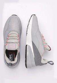 British Knights - VALEN - Sneakersy niskie - light grey/peach - 2