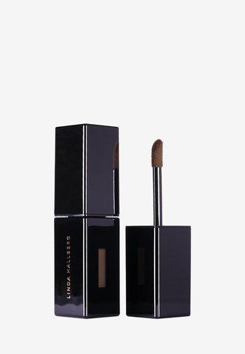 VELVET COUTURE - Liquid lipstick - deep nougat