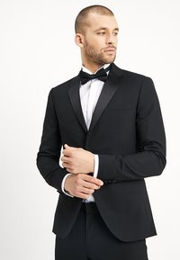 Isaac Dewhirst - BASIC PLAIN BLACK TUX SUIT SLIM FIT - Traje - black - 2