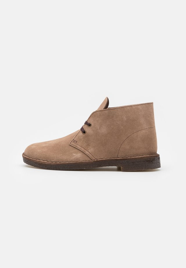 DESERT BOOT - Casual lace-ups - wolf