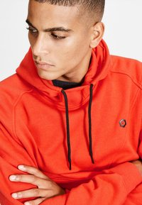 Jack & Jones - JCOPINN HOOD REGULAR FIT - Sweat à capuche - fiery red - 3