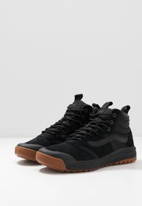 Vans - ULTRARANGE MTE - Sneakersy wysokie - black - 2