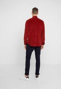 HUGO - ENVER - Camisa - rust/copper - 2