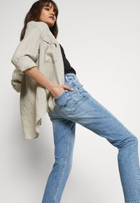 Replay - MARTY PANTS - Jeans baggy - light blue - 3