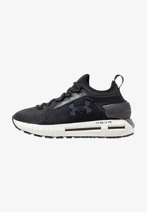 HOVR PHANTOM SE - Zapatillas de running neutras - jet gray/black