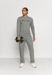 Champion - STRAIGHT HEM PANTS - Tracksuit bottoms - grey - 1