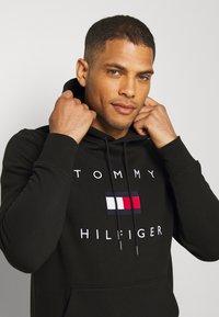 Tommy Hilfiger - FLAG HOODY - Sweat à capuche - black - 3