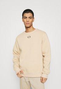 Criminal Damage - ESSENTIAL HOOD - Sweatshirt - beige - 0