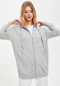 DeFacto - Zip-up hoodie - grey - 2