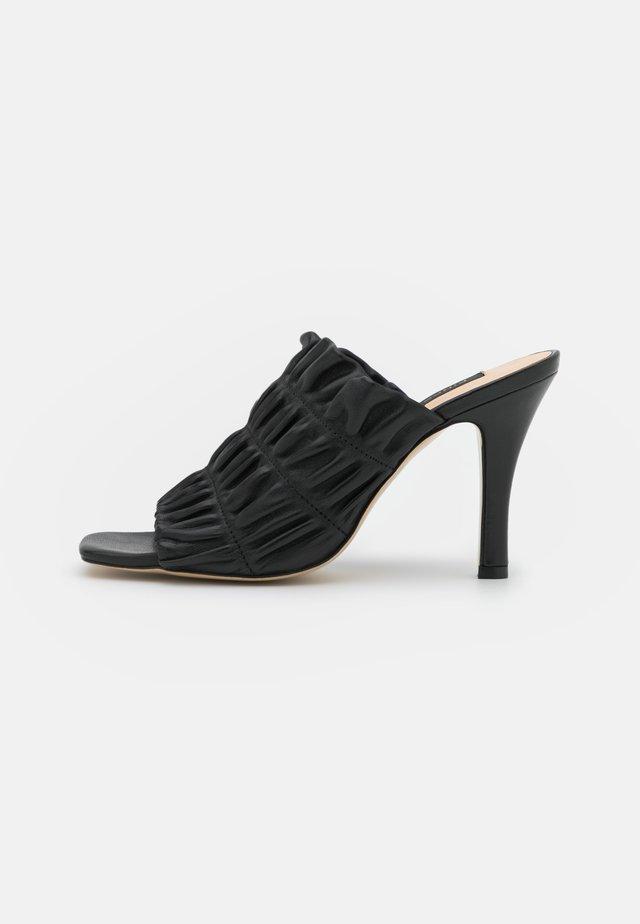 CAMELLIA SABOT  - Klapki - black