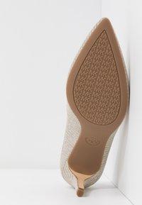 MICHAEL Michael Kors - DOROTHY FLEX  - High heels - silver/sand - 6