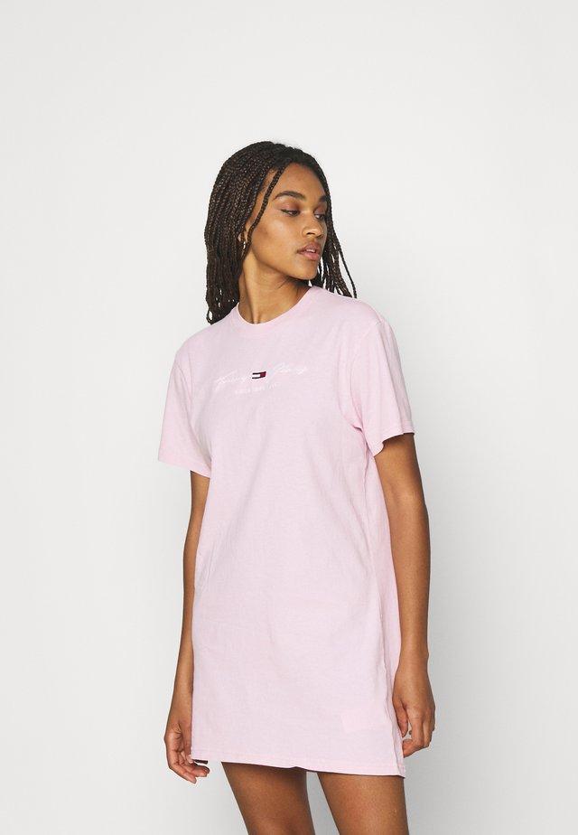TEEE DRESS - Vestido ligero - romantic pink