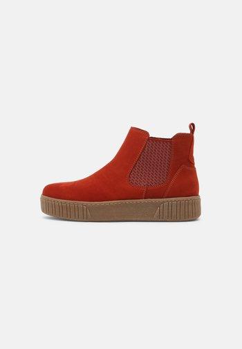 Platform ankle boots - brick
