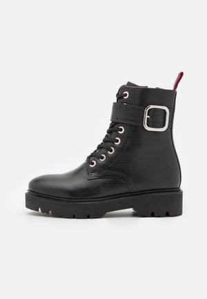 ANNABELLE - Platform ankle boots - noir