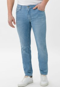 BRAX - STYLE CHUCK - Slim fit jeans - summer blue used - 0